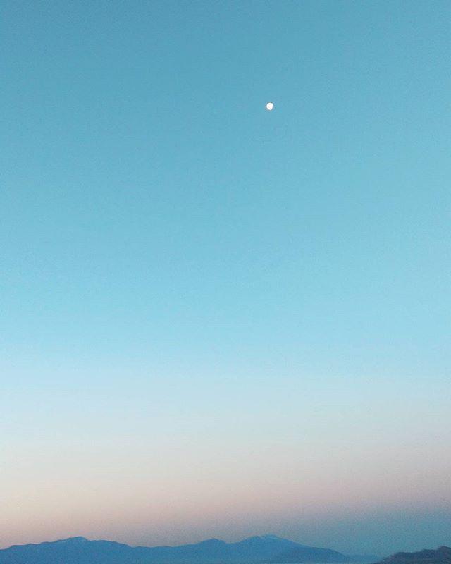 The #moon was still #awake #this #morning for #sunrise #moonpower #solarpower #sun #solar #utah #nature #earlybird #beauty #grace #love