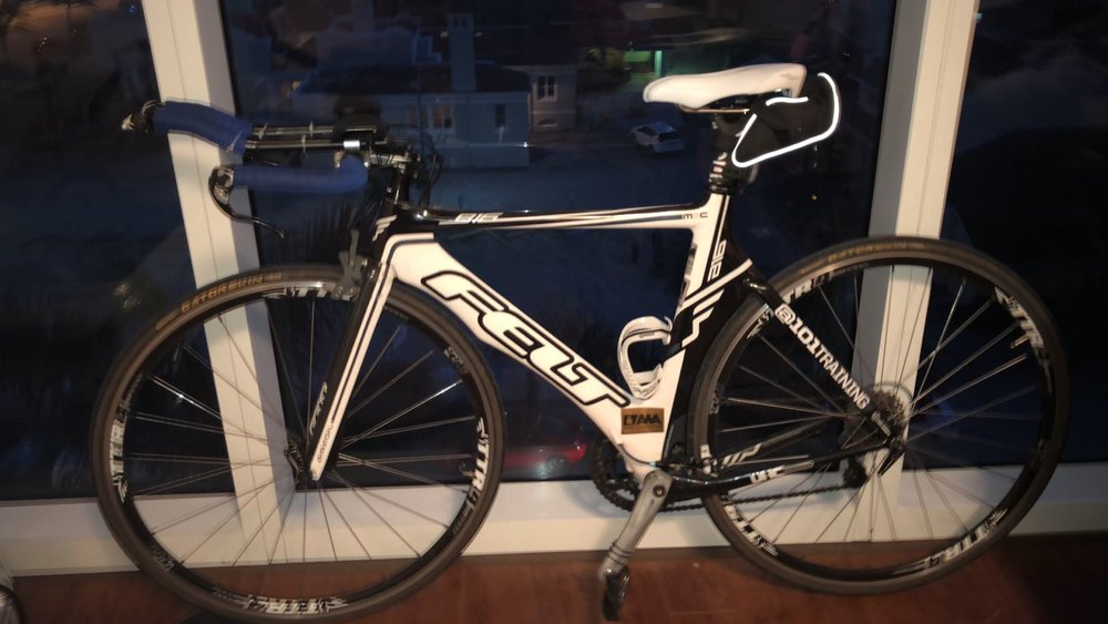 FELT 816 Carbon triathlon bike, size 52 , Ultegra Components, new carbon handlebars  1000$