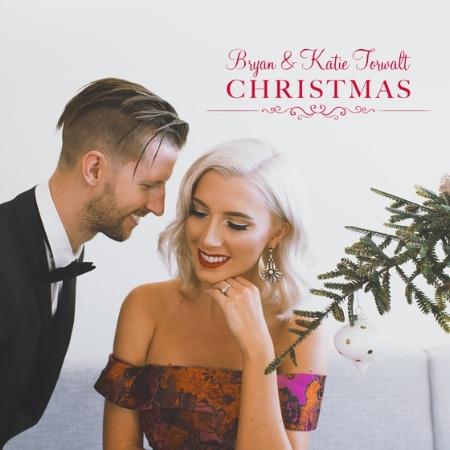 bryan-katie-torwalt-christmas.jpg