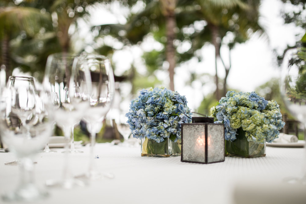 Included-Centerpiece-2-x-10-cm-vases-with-local-flowers-Vintage-Romance.jpg