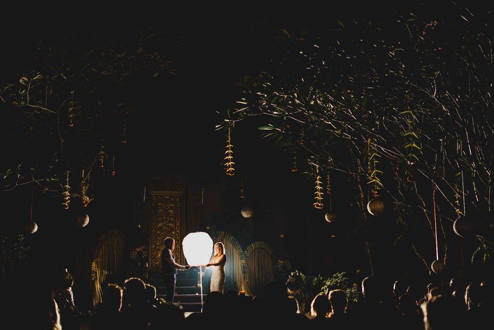 2606-0081M lantern.jpg