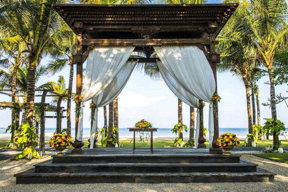 The stunning alter for a Bali beach wedding.jpg