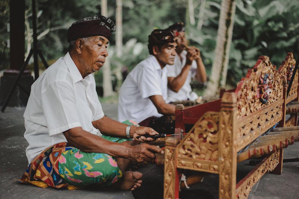 3365-0081S balinese musicians.JPG