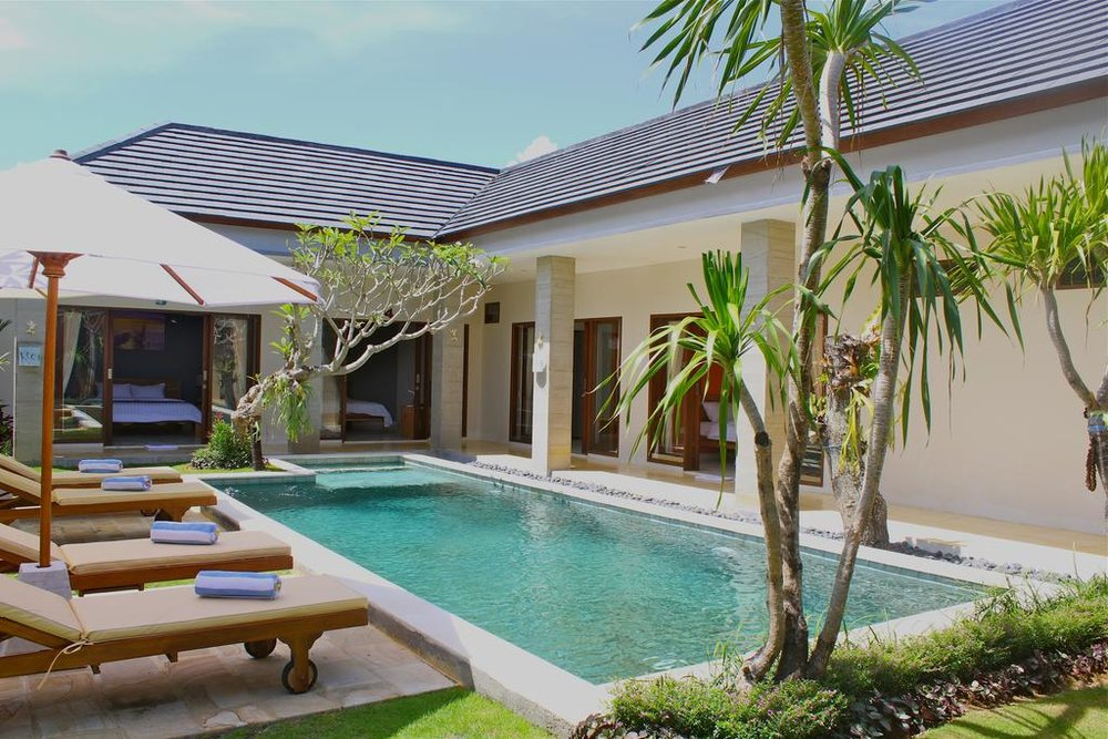 The Daun - 3 Stars, Canggu - Set just off the main strip of Jalan Batu Balong in Jalan Panta Nelayan, this well kept guest house is close to everything and does double and twin share rooms.