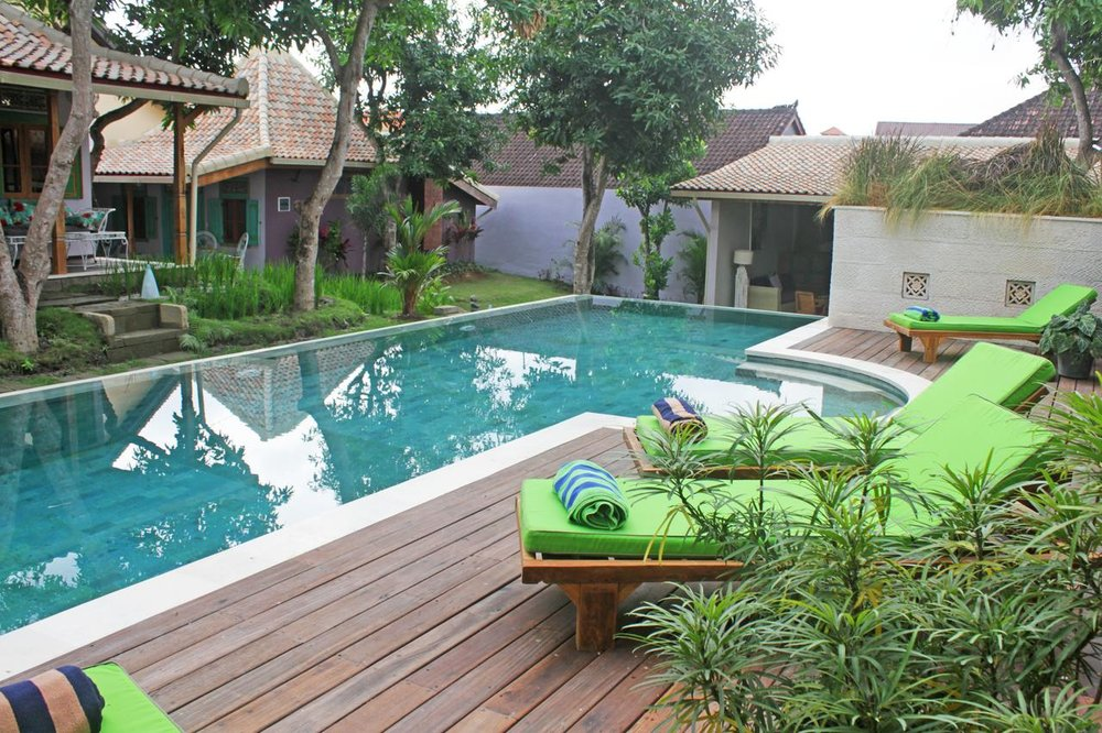 Guesthouse Mooz - 3 Stars, Canggu - Beautiful free standing Javanese style Joglo rooms, this guest house has got loads of charm and is set in a peaceful location. It is approximately 2.5km from the main hub of Jalan Batu Balong and the beach, so you may need to consider hiring a scooter if you choose this accommodation. It's a gorgeous place, so worth considering. The owners will look after all your needs in relation to hiring scooters or drivers.