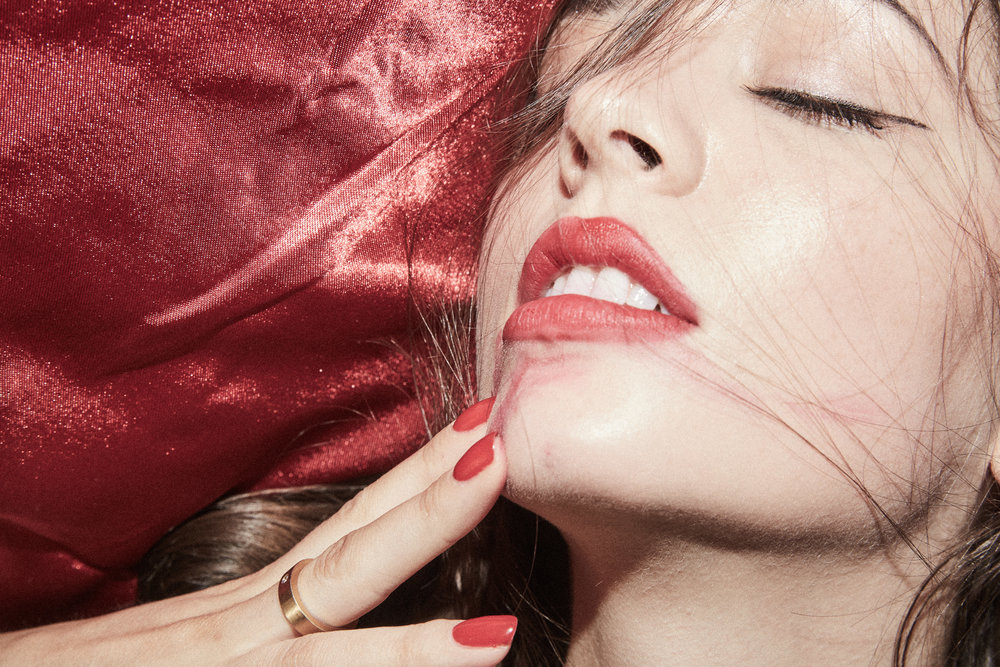 Madison Chertow Armani Beauty Maestro 400 Zara bagatiba red lipstick
