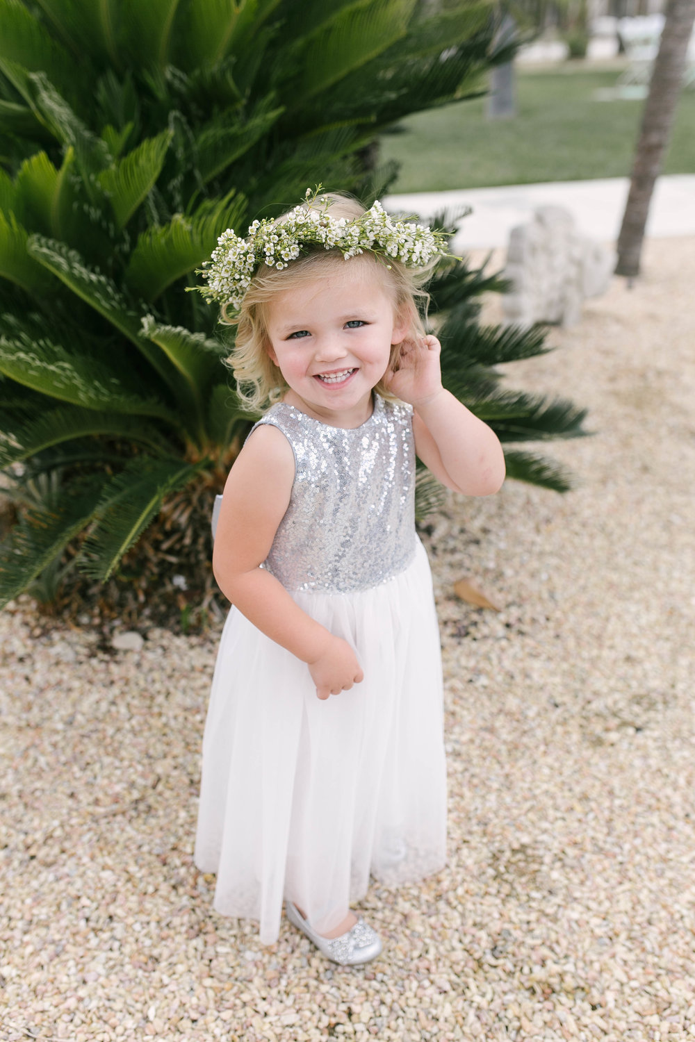 Ump how cute is this flower girl.....