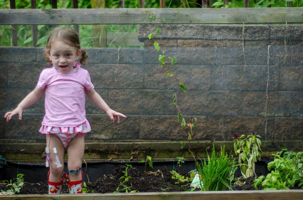 8 reasons to garden with your kids - iplay - shegotguts.com