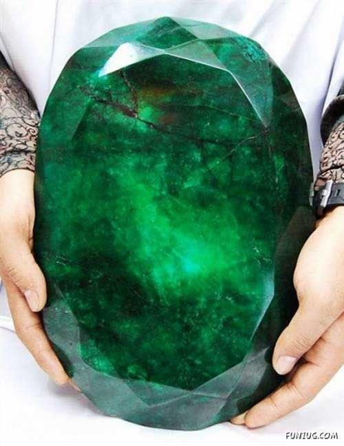 18cf26390539e39aeed0508bf1441323--emeralds-jewelry-emerald-gemstone.jpg