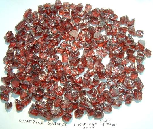 Red pink Garnets 1160ct Lot (4).jpg