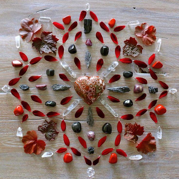 2ef1f3cf32f10fe1fe7df77c0a2cb44d--chakra-healing-crystal-healing.jpg