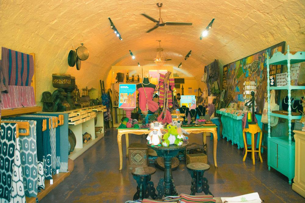 intramuros, san agustin, bambikes, bamboo bikes, ristorante delle mitre, manila cathedral, fort santiago