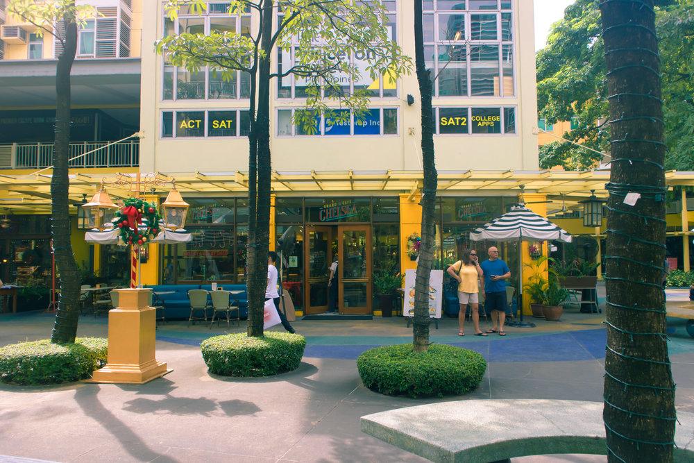 chelsea grand cafe, serendra, bgc, bonifacio high street, philippine coffee shops, taguig coffee shop, work date cafe