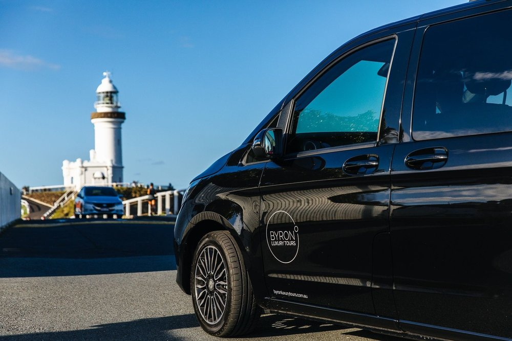 byron-luxury-tours-mercedes-benz-limosine-lighthouse.jpg