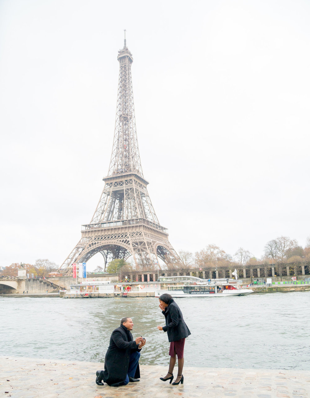 proposal+at+eiffel+tower+river+side.jpeg