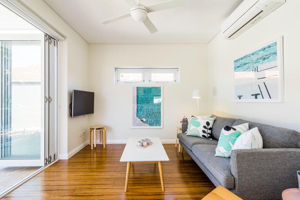 Living area_3.jpg