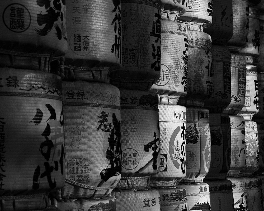 japan-sake-barrels.jpg