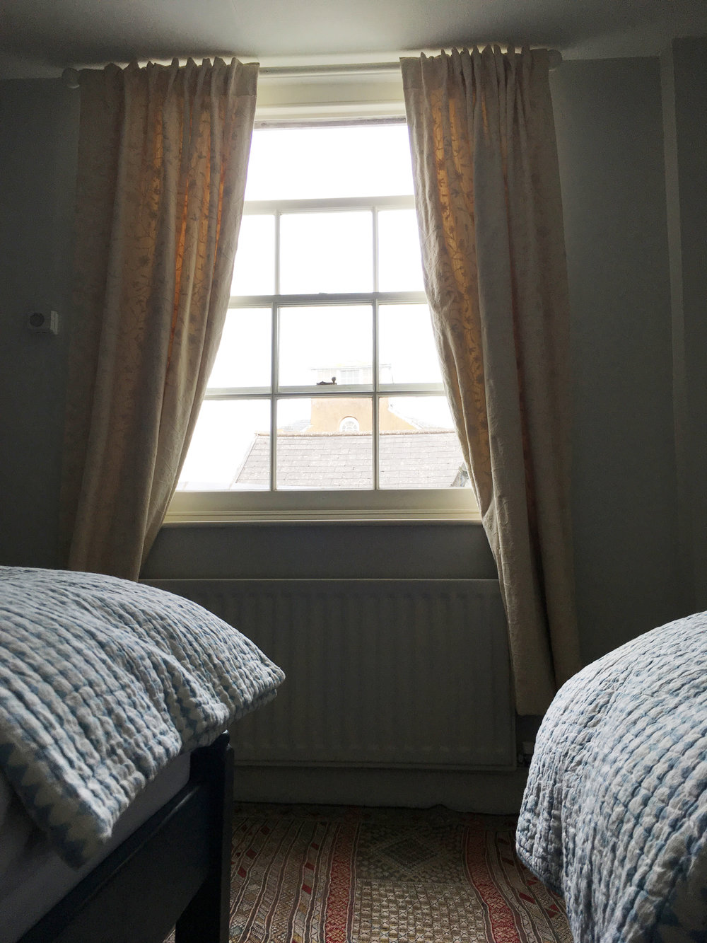 twin Room2.jpg