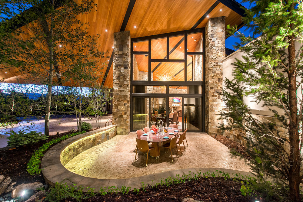 4855 Willow Stone Heights-large-041-35-Outdoor Dining-1498x1000-72dpi.jpg