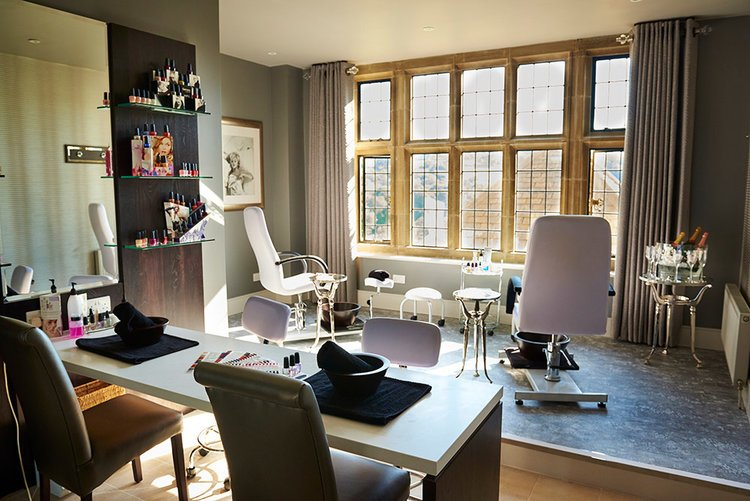 Spa-manicure-room.jpg