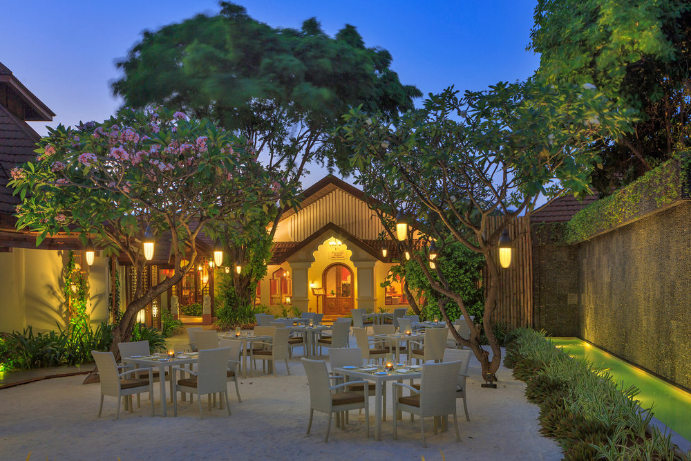 Restaurants_Frangipani_courtyard2_Kurumba.jpg