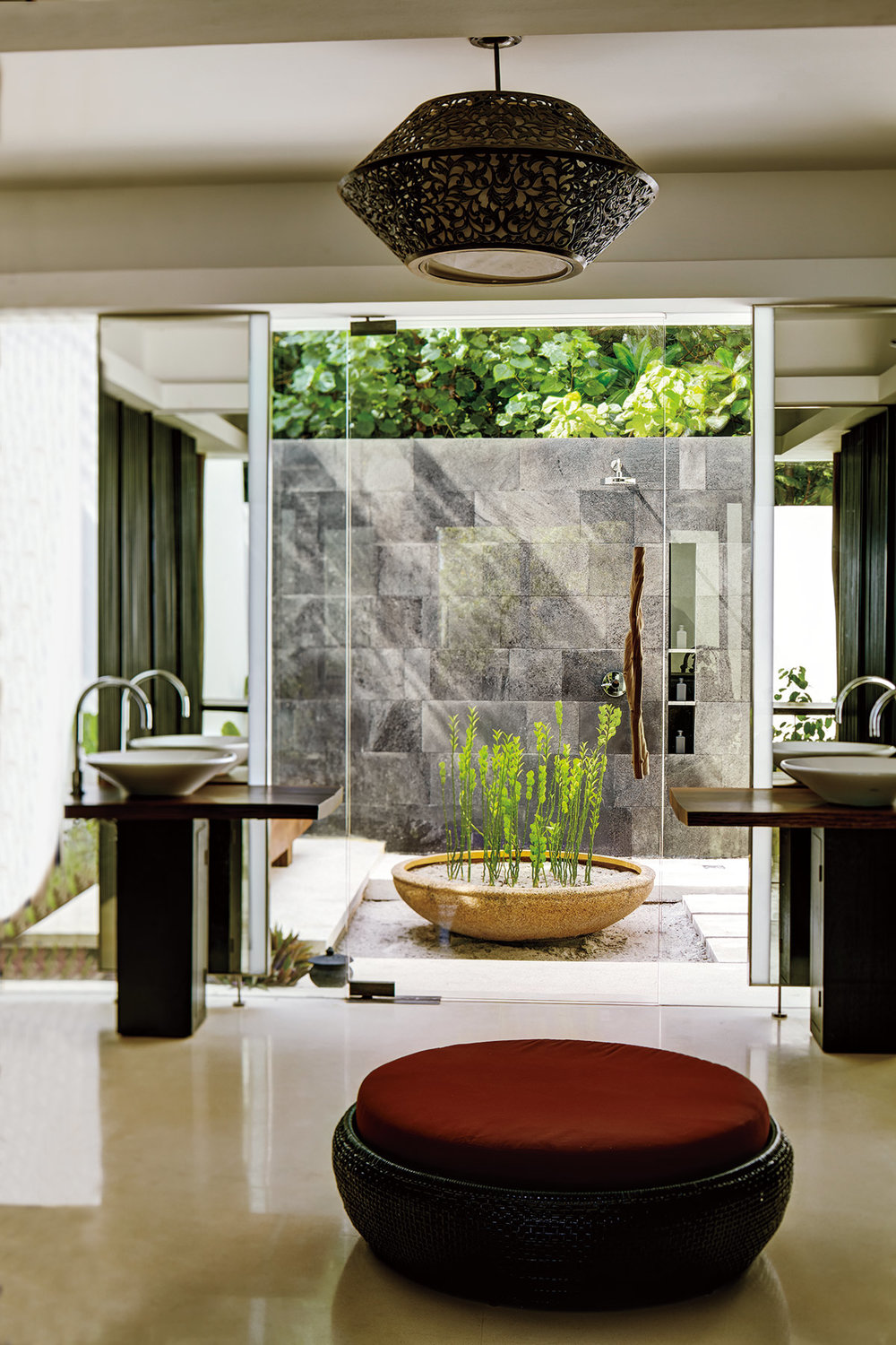 MLDPH_P066_Land_Villa_Bathroom_Hi-Res.jpg