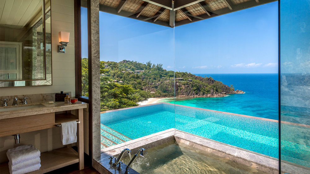 Alfresco-Deck-with-a-sparkling-infinty-plunge-pool-at-Four-Seasons-Seychelles.jpg