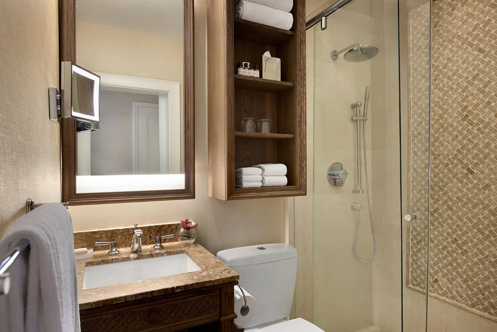 Fairmont-Gold-Mountain-View-Bathroom_492562_high.jpg