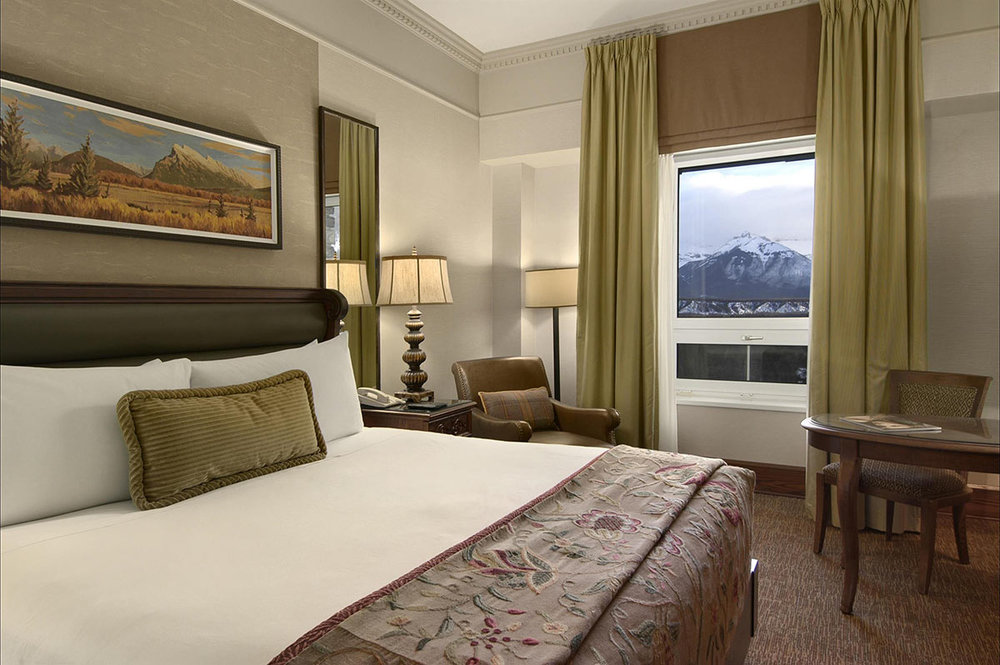 Fairmont-Gold-Mountain-View-Guest-Room_492533_high.jpg