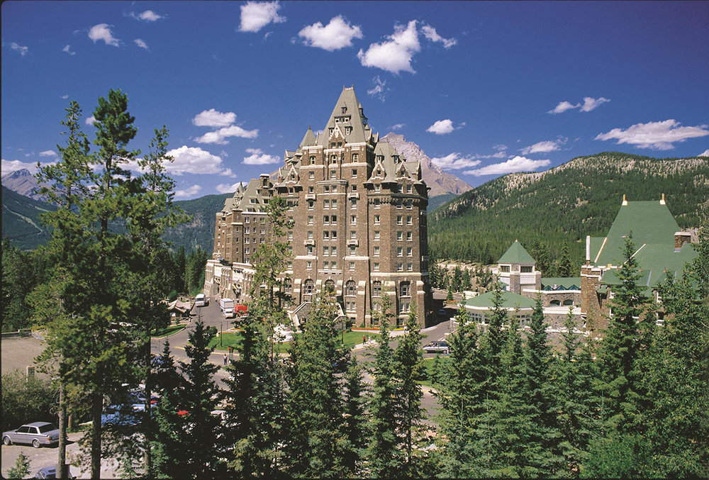 The-Fairmont-Banff-Springs---Summer_492596_high.jpg