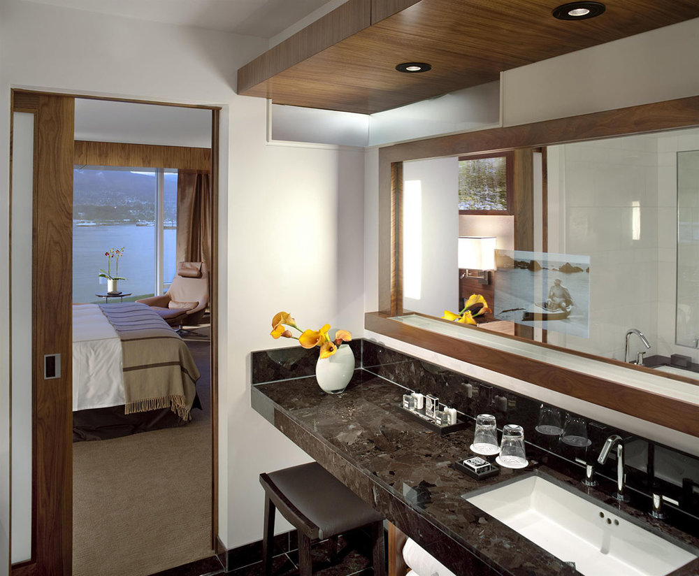 Fairmont-Gold-Bathroom_482528_high.jpg