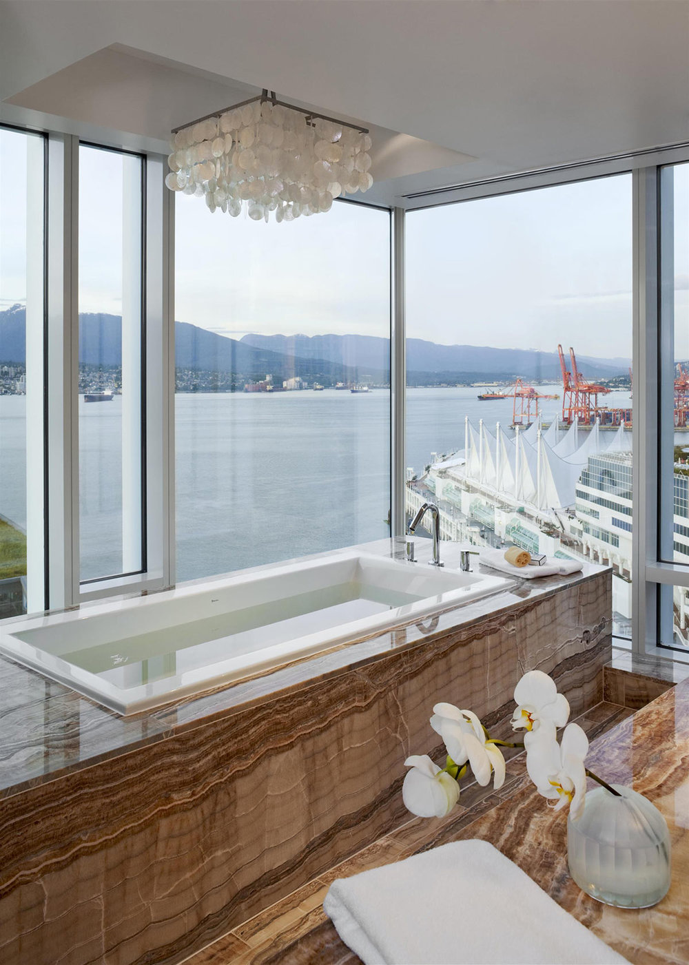 Prime-Minister-Suite-Bathroom_482521_high.jpg