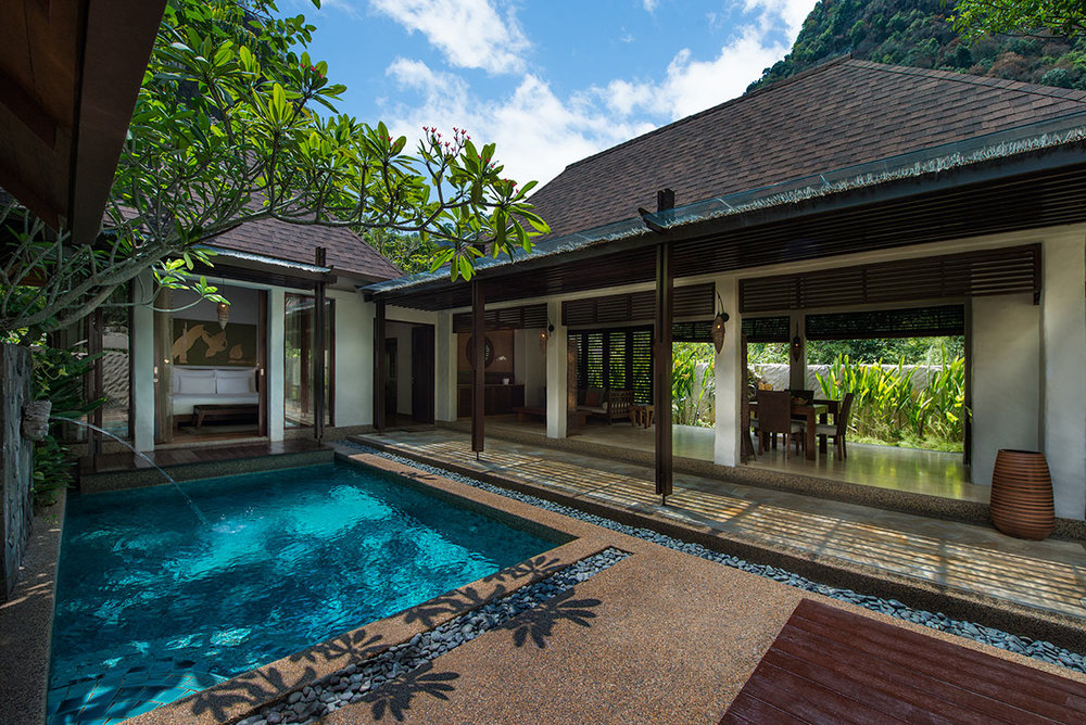 GARDEN-VILLAS-AT-THE-BANJARAN-ARE-SET-WITHIN-TROPICAL-GARDENS.jpg