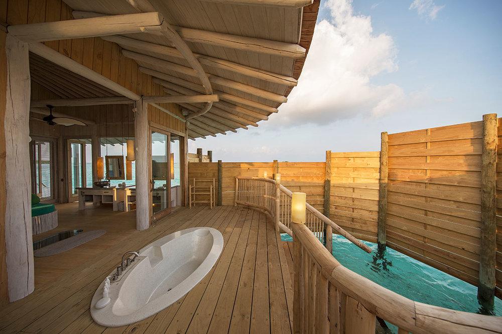 1-Bedroom-Overwater-Villa_Outdoor-Shower_by-Richard-Waite.jpg