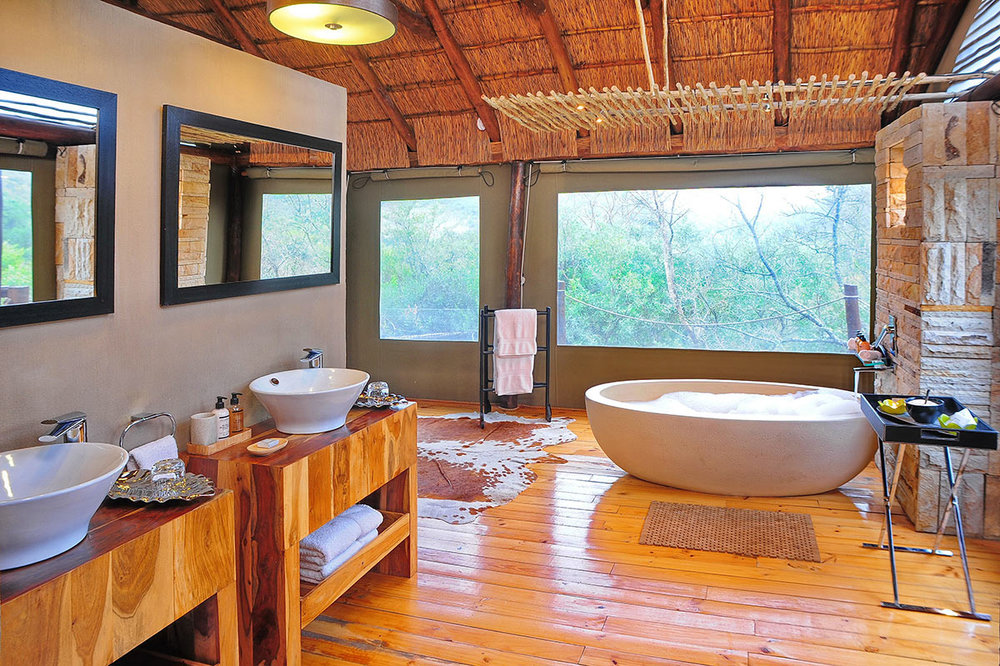 Bayethe-Tented-Lodge_Tent-Interior---Bathroom.jpg
