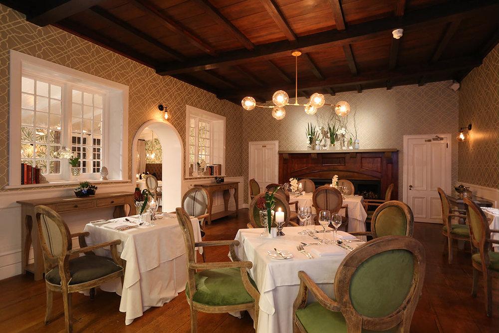 Fancourt-Hotel_Henry-Whites-Restaurant.jpg