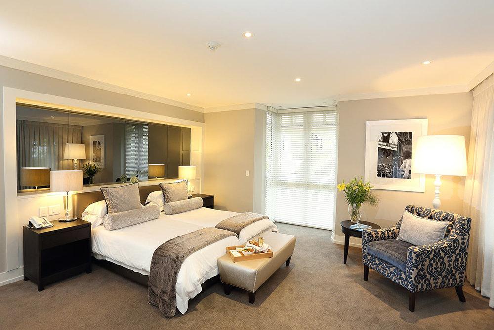 Fancourt-Hotel_One_Bedroom-Suite-3.jpg