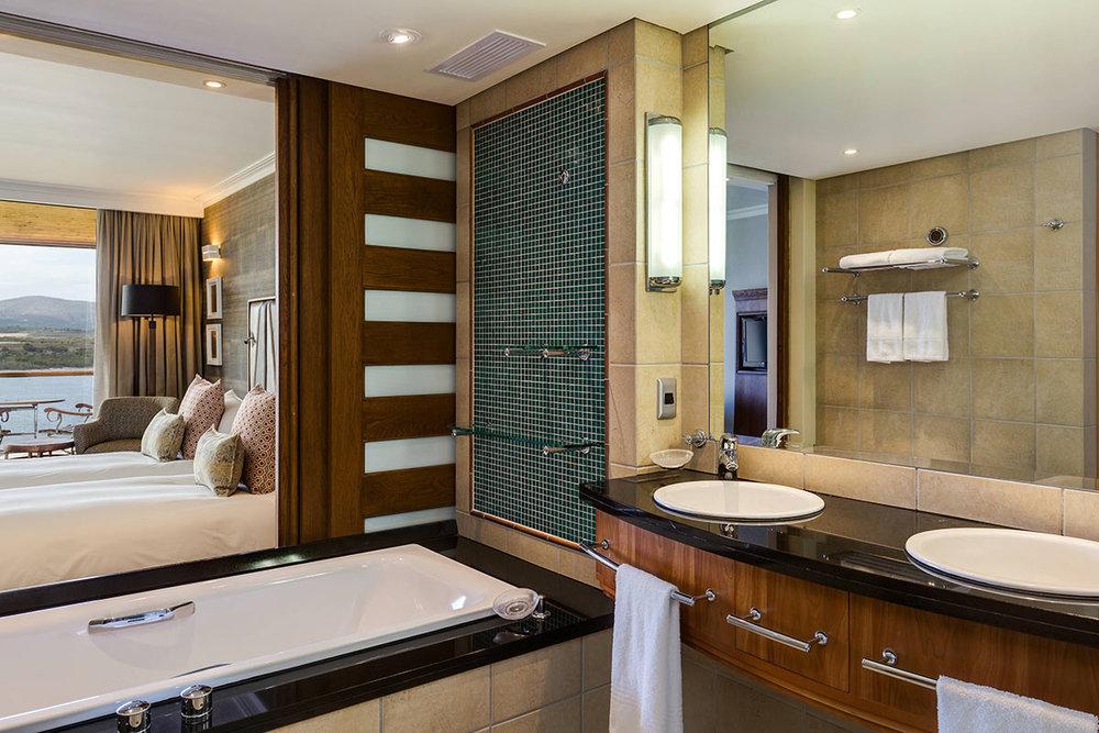 African-Pride-Arabella-Hotel-_-Spa_Standard--(1).jpg