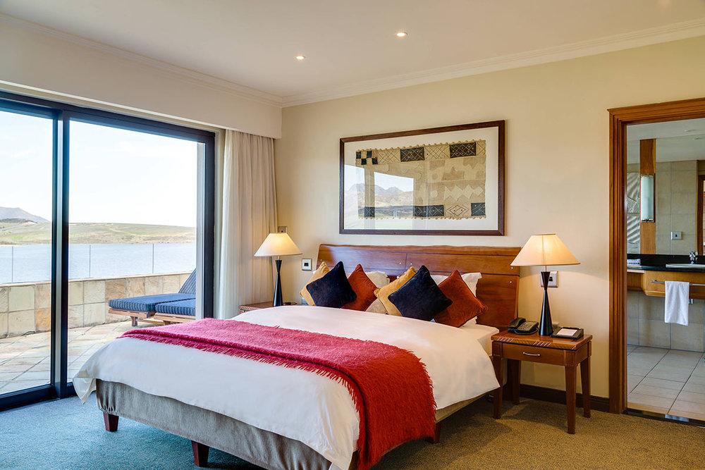 African-Pride-Arabella-Hotel-_-Spa_Suite--(2).jpg