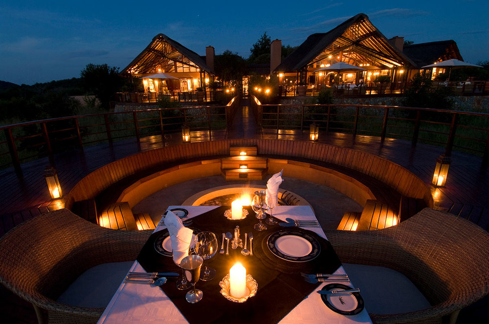 Mateya-Safari-Lodge_Exterior-at-Night.jpg