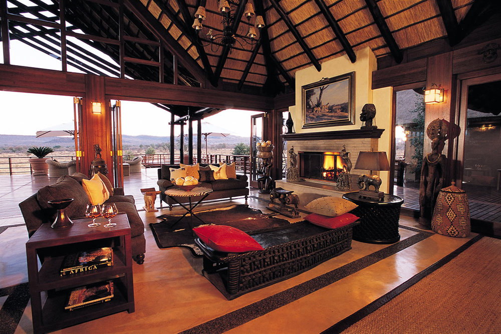 Mateya-Safari-Lodge_Main-Lounge.jpg