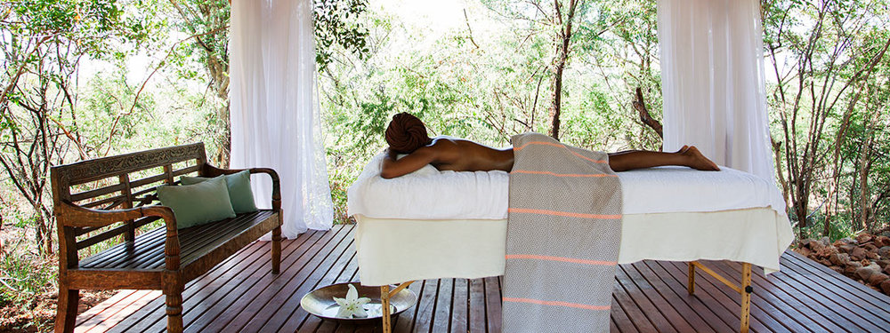 Molori-Safari-Lodge_Spa-Massage-Deck.jpg