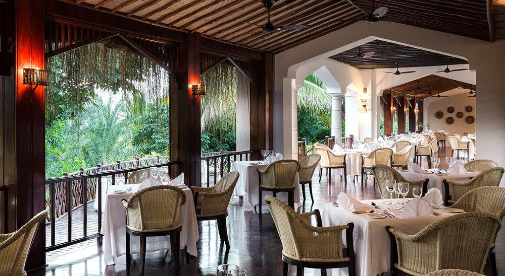 Anantara-Bazaruto-Island-Resort_Golfinho-Restaurant.jpg
