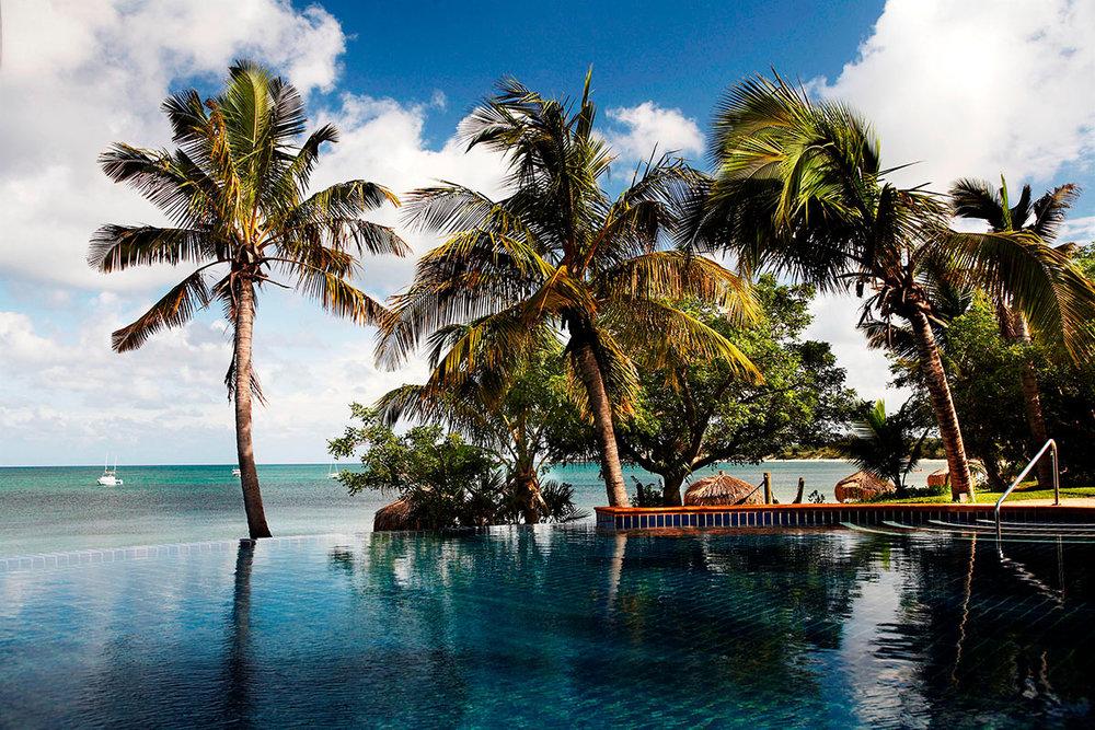 Anantara-Bazaruto-Island-Resort_Infinity-Pool-(2).jpg