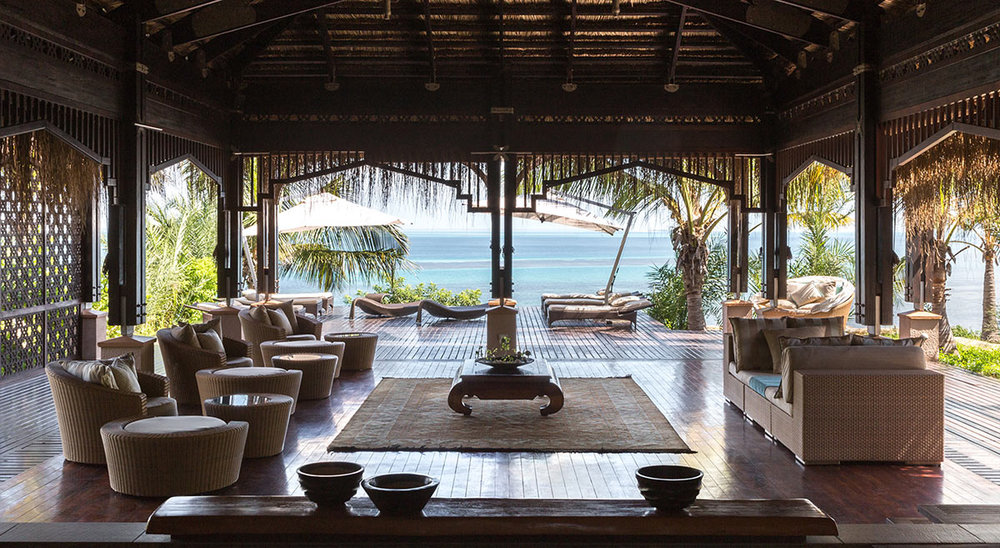 Anantara-Bazaruto-Island-Resort_Spa-Entrance-with-Lounge.jpg