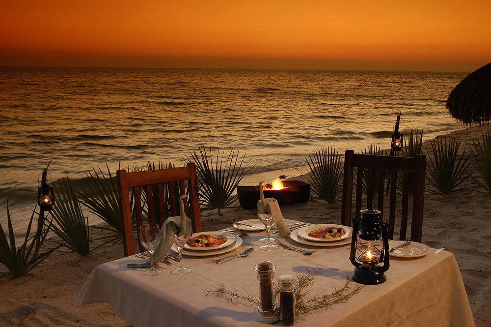 Dugong-Beach-Lodge_Beach-Dinner.jpg