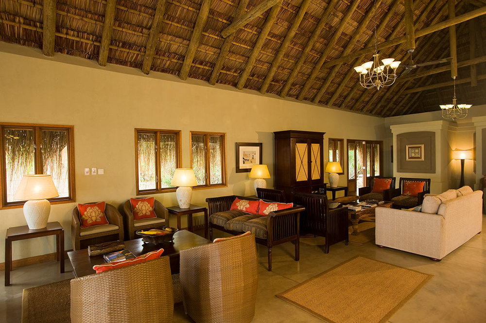 Dugong-Beach-Lodge_Lounge.jpg