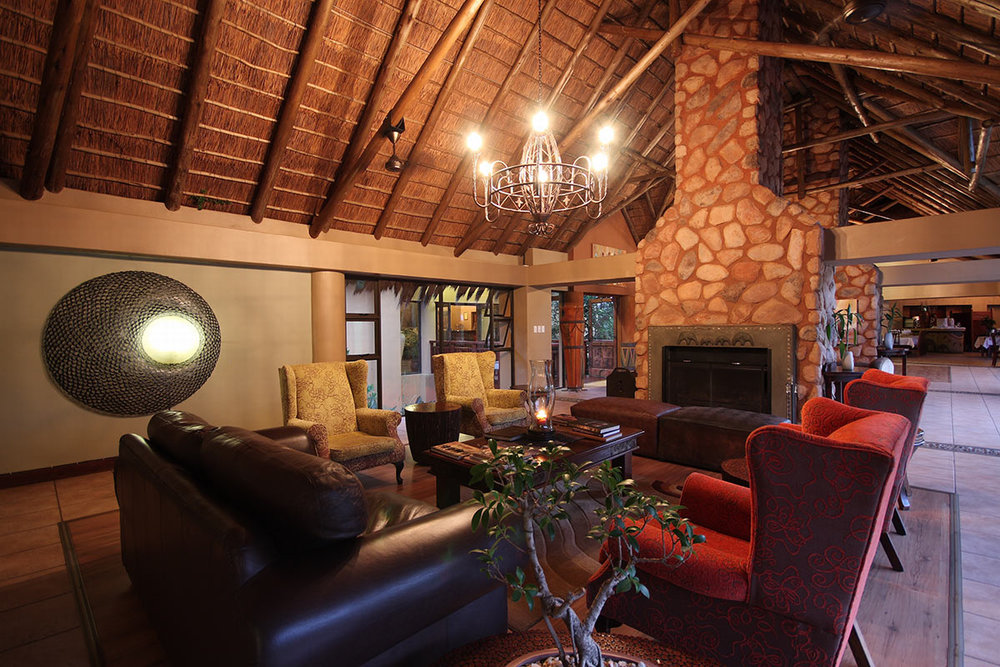 Ivory-Tree-Game-Lodge_Main-Bar-and-Lounge-Area.jpg