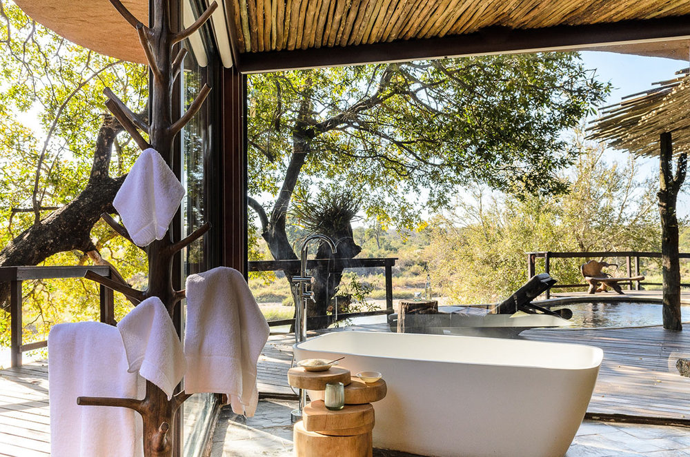 Singita-Boulders-Lodge_Suite-Interior---Ensuite.jpg