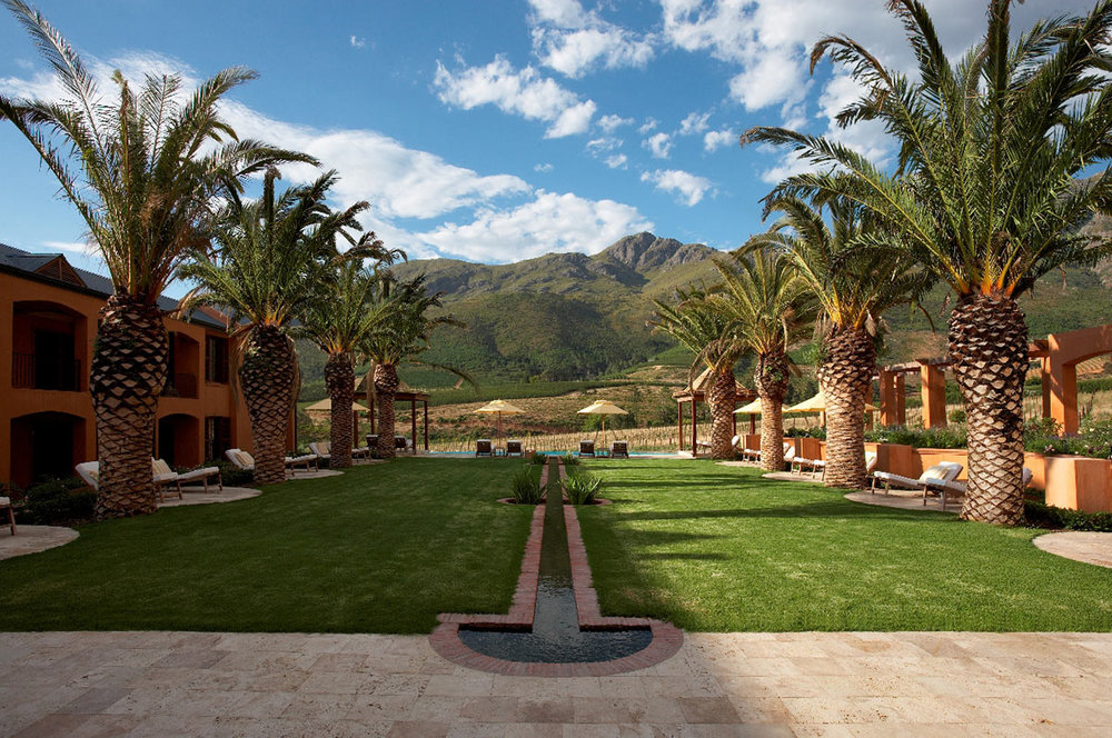 La-Residence_Palm-Courtyard.jpg